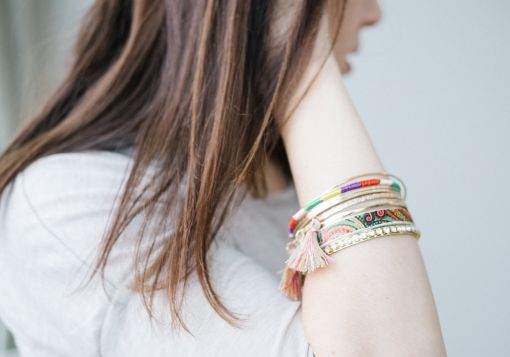 girl with bracelet